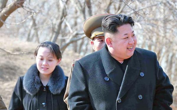 Vì sao ông Kim Jong-un đưa em gái 28 tuổi vào Bộ Chính trị?