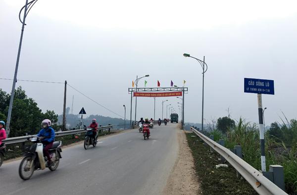 Cầu sông Lô