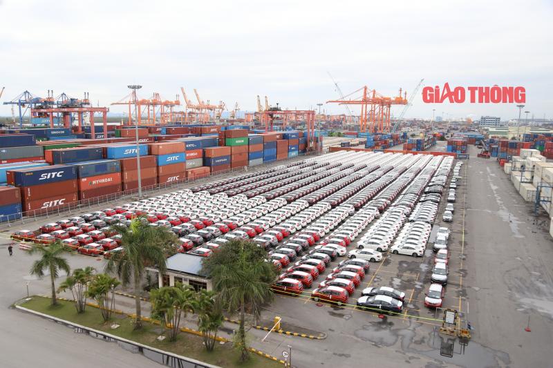 Ô tô nhập khẩu về nước tăng mạnh chỉ trong 1 tuần
