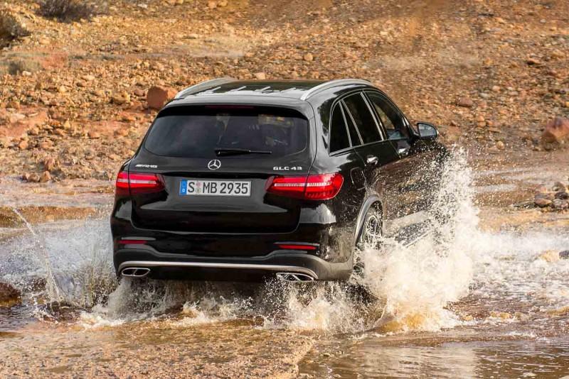 2016-Mercedes-AMG-GLC-43-4MATIC-025-800x534