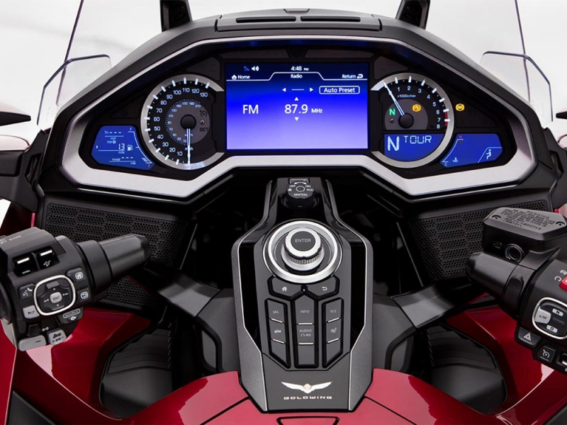 Honda_Goldwing_2018_clocks_1