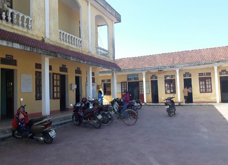 trụ sở UBND xã Cẩm Trung