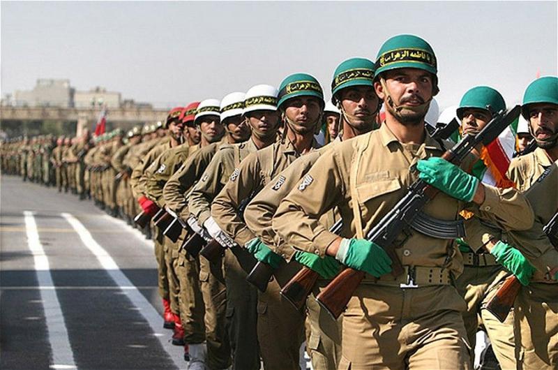 """Iran dọa """"nghiền nát"""" Mỹ"""
