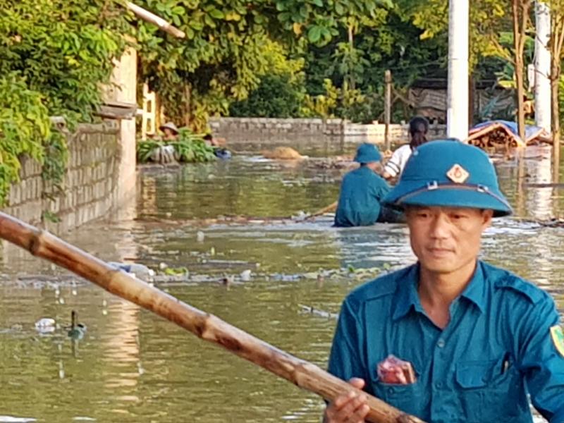 Vỡ đê ở Chương Mỹ: Nước tiếp tục dâng cao 1m ở Tân Tiến