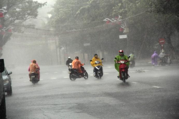 Mưa- lớn -hậu -bão- số- 3-sông- miền- Trung- cảnh-