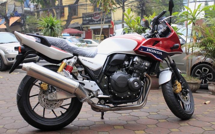 xegiaothong_Honda_CB400 Super Bol D'Or_mau_hiem_ta