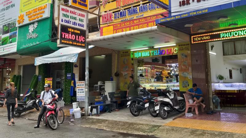 tiệm vàng
