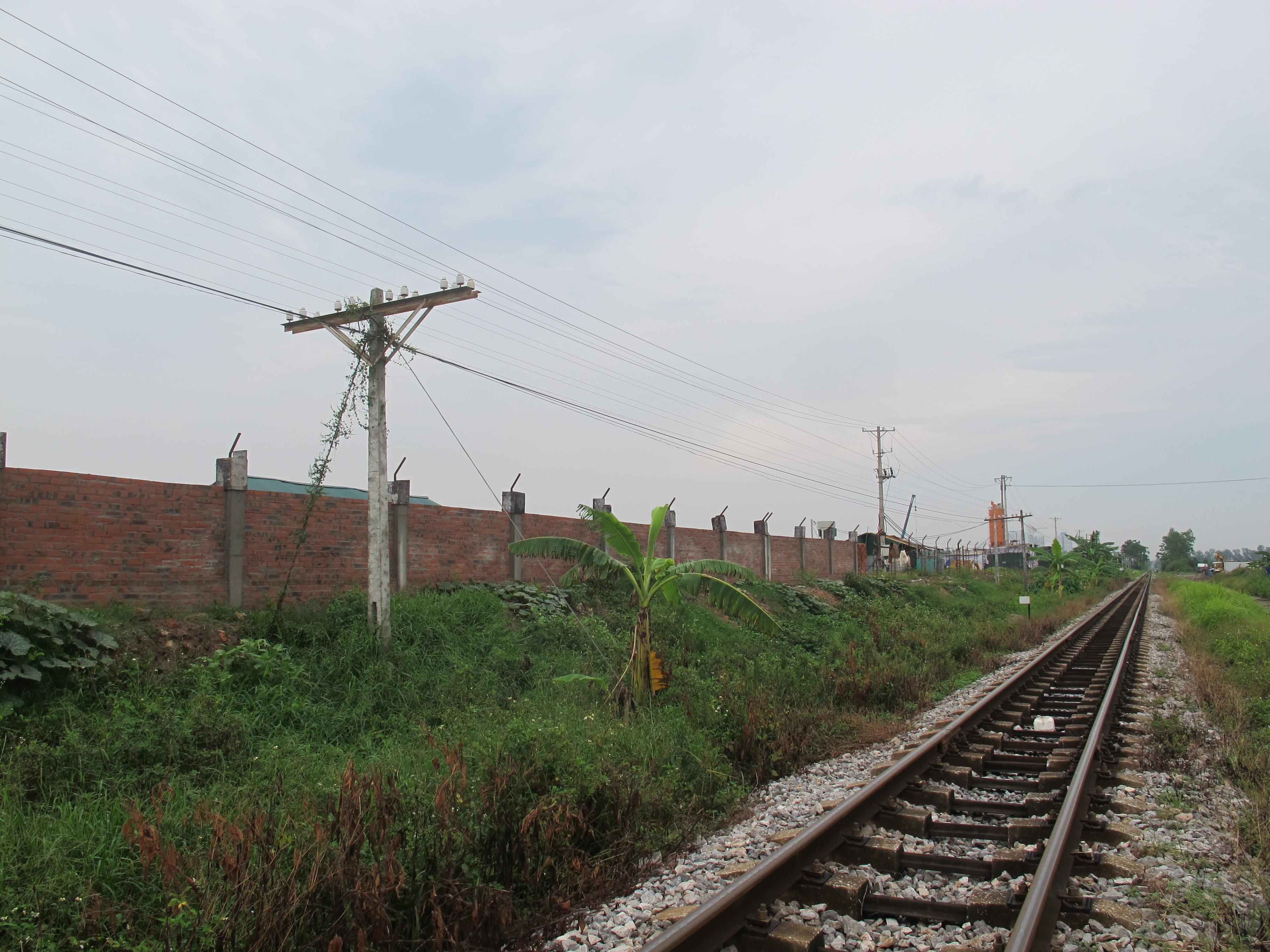 Chiếm hành lang đường sắt, khu đô thị Phú Lương có ý đồ gì?