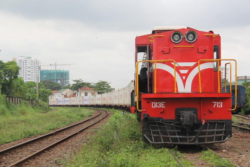 tàu container hợp tác với Tân Cảng SG
