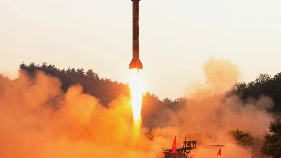 Hình ảnh một vụ thử tên lửa của Triều