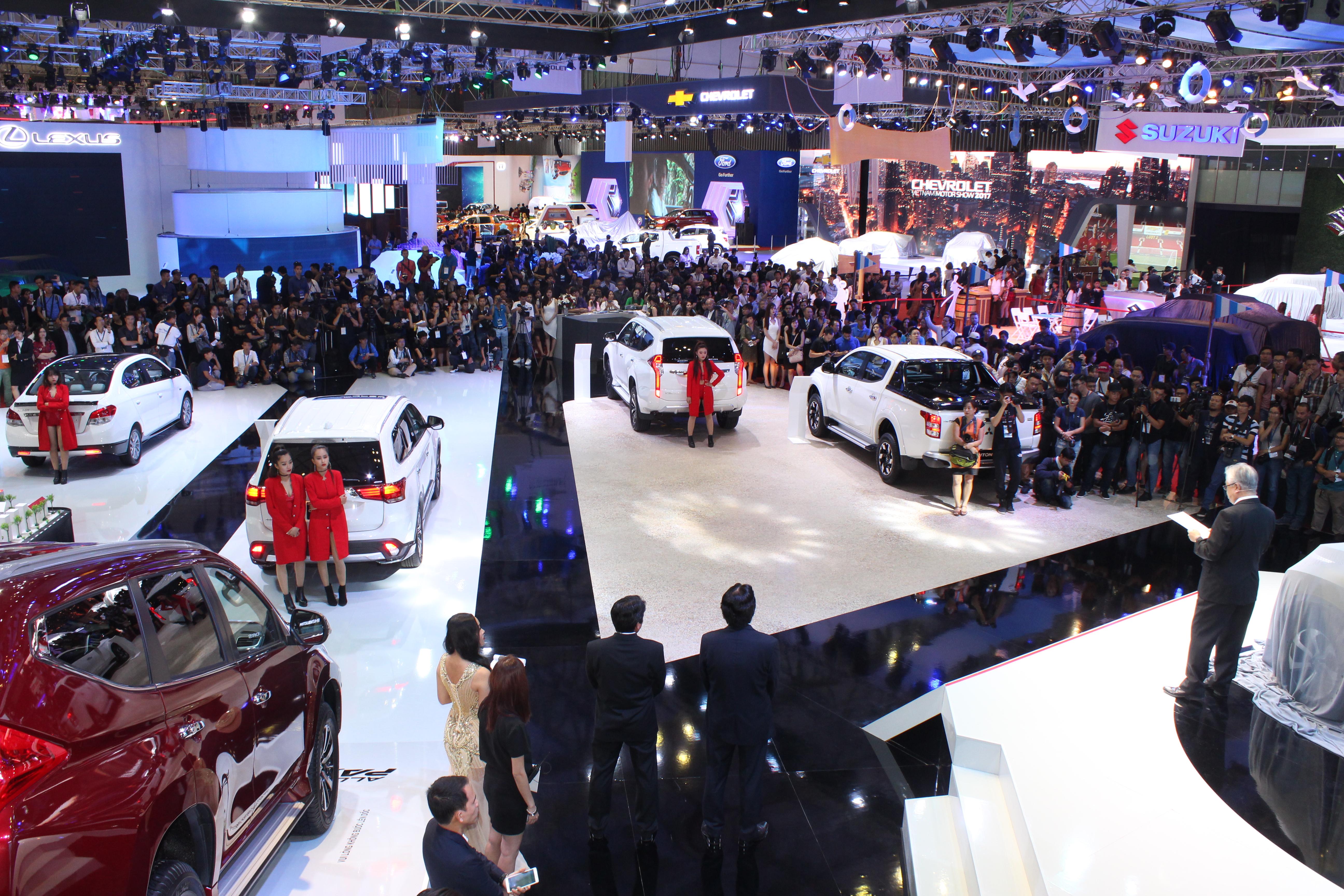 Triển lãm ô tô Việt Nam 2017: Ra mắt dàn xe trăm tỷ