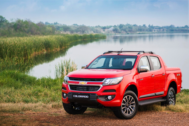 2017-chevrolet-colorado-exterior-global-model-001