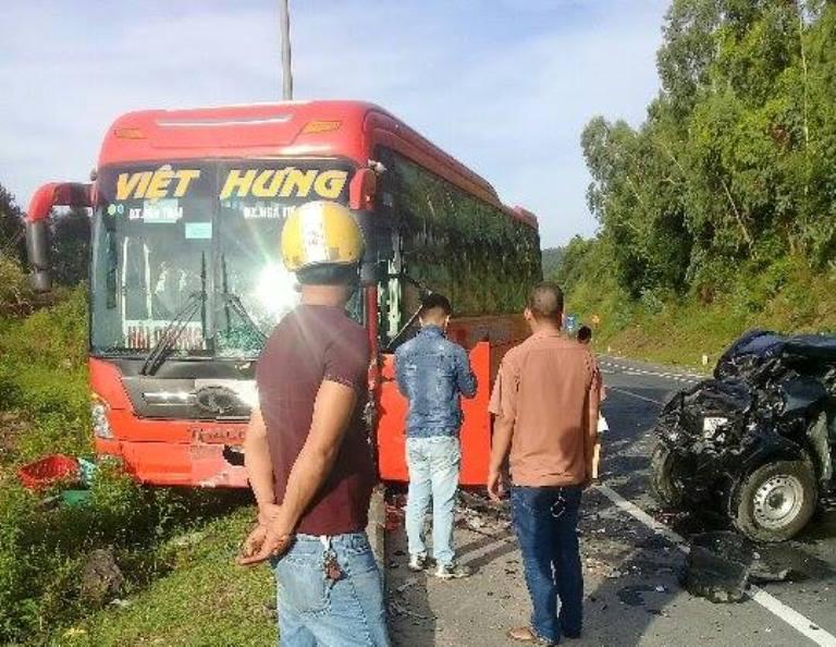 TNGT trên đường dẫn hầm Hải Vân, 4 người bị thương