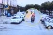 Video: Lái xe vỡ đầu do trúng giát giường từ trên trời rơi xuống