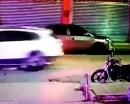 Video: Say rượu đổ gục giữa đường, ma men bị ô tô cán chết