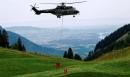 Nắng nóng kỷ lục, Thụy Sĩ dùng trực thăng cấp nước cho bò