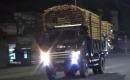 Hà Tĩnh: Ai tiếp tay xe quá khổ chở keo, tràm vào ban đêm?