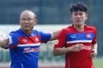HLV Park Hang-seo đau đầu chọn tiền vệ cho Olympic Việt Nam
