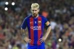 Tin bóng đá tối 26/6: Messi lại trốn thuế; Mourinho nhận tin sốc