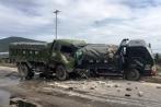 Tông vào xe tải nổ lốp, một tài xế tử vong tại chỗ