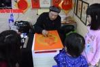 Video: Người Hà Nội đổ xô đi xin chữ khiến ông Đồ mỏi tay