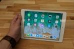 Tận tay sờ chiếc iPad giá rẻ bèo Apple dành cho giáo dục