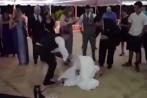 Video: Chú rể đẩy cô dâu ngã bổ ngửa xuống đất tại đám cưới