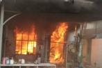Hà Nội: Nam thanh niên đốt nhà, đâm hai người trọng thương