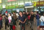 Mùng 6 Tết, lượng khách về Tân Sơn Nhất đông nhất