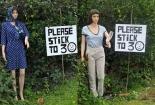 Kỳ lạ ngôi làng ở Anh dùng ma-nơ-canh đứng đường để giảm TNGT