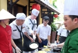 Đầu bếp Việt Nam dạy hải quân siêu tàu Mỹ nấu ăn