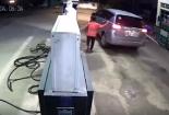 Video: Ô tô bất ngờ bỏ chạy, quỵt 1 triệu đồng tiền đổ xăng