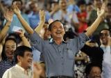 Bộ mặt thật của bầu Đức sau tấm mặt nạ vì bóng đá Việt