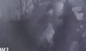 Video: Bầy sư tử lẻn vào làng bị đàn bò đuổi chạy trối chết