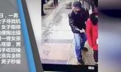 Video: Sốc cảnh đạo chích dùng dụng cụ y tế để trộm điện thoại