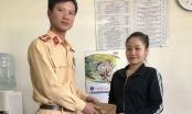 Nhặt được ví tiền, CSGT Hà Nội tìm trả người đánh rơi