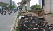 Cận cảnh gầm đường sắt trên cao thành bãi rác và điểm đỗ xe