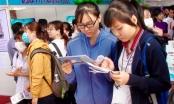 Hàng ngàn sinh viên trường y tham gia ngày hội việc làm
