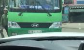Xế hộp quyết đối đầu xe buýt chạy ẩu, lấn làn