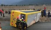 Lật xe khách ở Đà Nẵng, 2 người chết, hàng chục người bị thương
