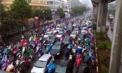 Hà Nội: Hàng loạt tuyến đường ùn tắc nghiêm trọng trong mưa