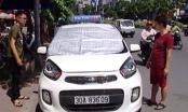 """Video: Tài xế ô tô chống chọi với """"chảo lửa"""" tại Hà Nội"""