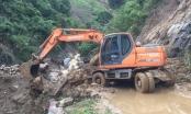 Mưa lớn cuốn trôi cống ngầm thoát nước, tỉnh lộ 174 bị chia cắt