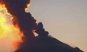Video: Núi lửa ở Mexico bất ngờ nổi giận, phun trào dữ dội