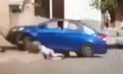 Video: Chồng phóng ô tô húc bay vợ vì bị đòi ly hôn