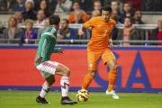 """""""Ronaldo Hà Lan"""" và cái bẫy vô hình ở Premier League"""