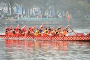 Cận cảnh lễ hội bơi chải thuyền rồng đầu tiên tại Hồ Tây