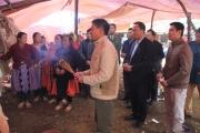 Lãnh đạo Ủy ban ATGT Quốc gia viếng nạn nhân TNGT ở Sơn La