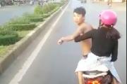 Tài xế hết hồn khi thanh niên đầu trần đánh võng chặn xe khách