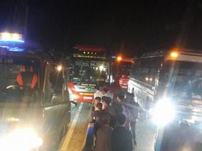 Ba xe khách tông nhau kinh hoàng, 13 người thương vong